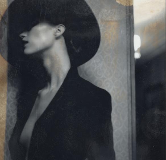 Diego Uchitel, Polaroids
